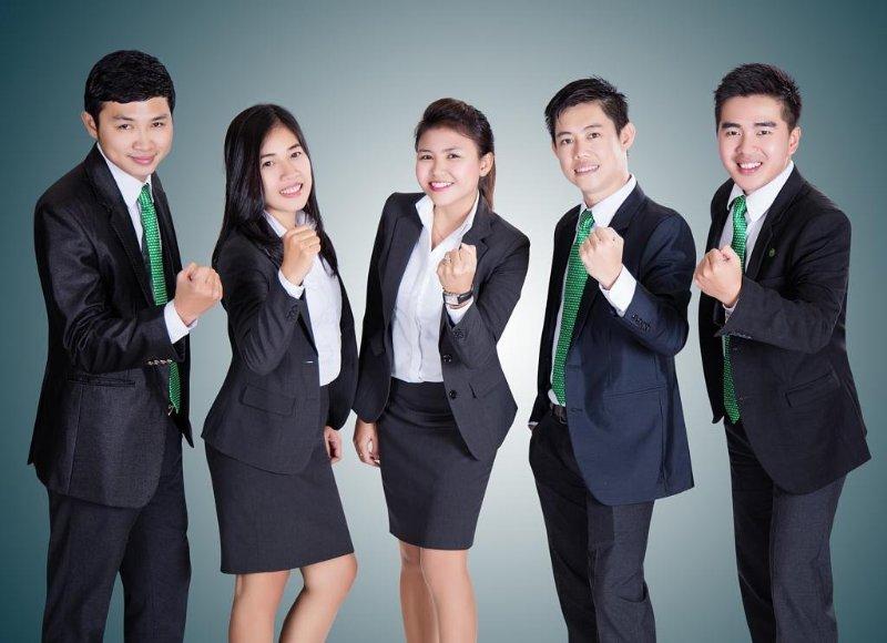 Quy định mặc đồng phục công sở và bài toán văn hóa doanh nghiệp