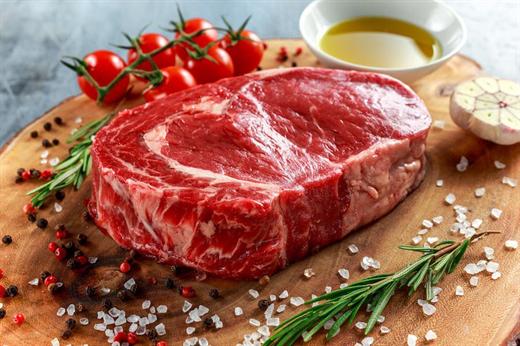 Thịt thăn bò làm steak