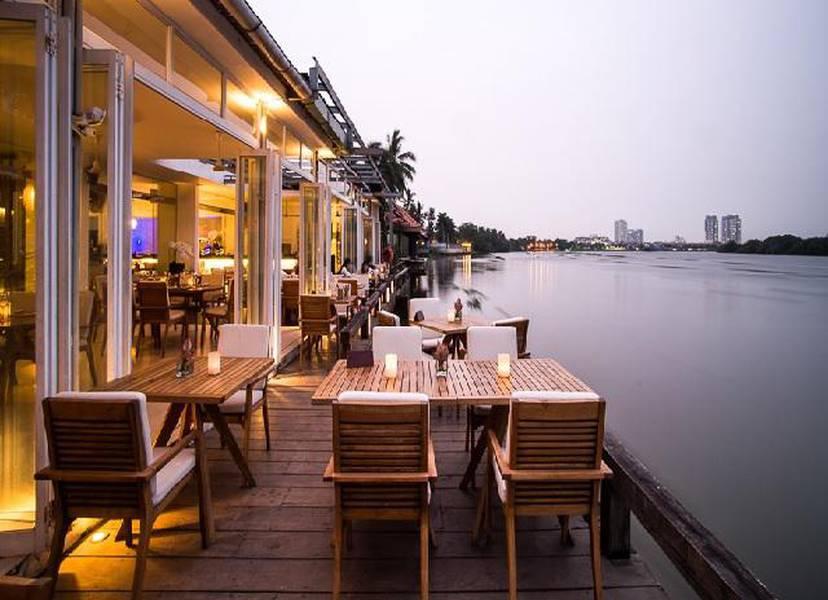 Nhà hàng the Deck
